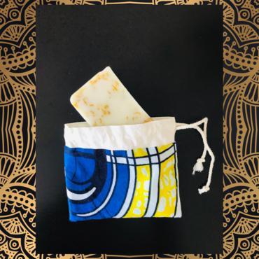 pochette savon, étui à savon, wax, tissu wax, coton, angers, savonnerie artisanale angevine, savonnerie artisanale à murs erigné